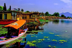 Kashmir Houseboat Tour 04 Nights and 05 Days